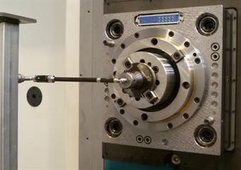 QC20-W ballbar on large machine performing 300 mm radius test